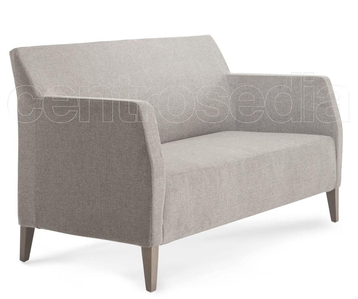 Giulia divano legno imbottito poltroncine e divani - Coprisedia in tessuto ikea ...